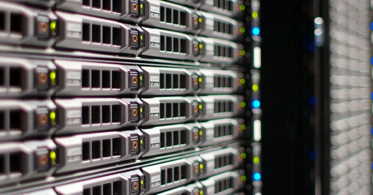 Hard drives in a RAID server