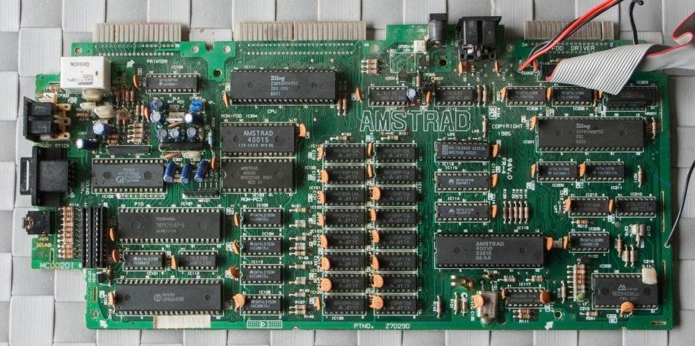Amstrad CPC 6128 plate