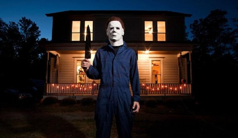 Halloween: William Shatner returns to talk about the Michael Myers mask